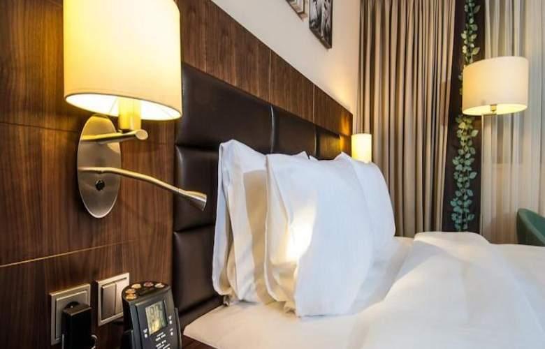 Hilton Garden Inn Rzeszow - Room - 9