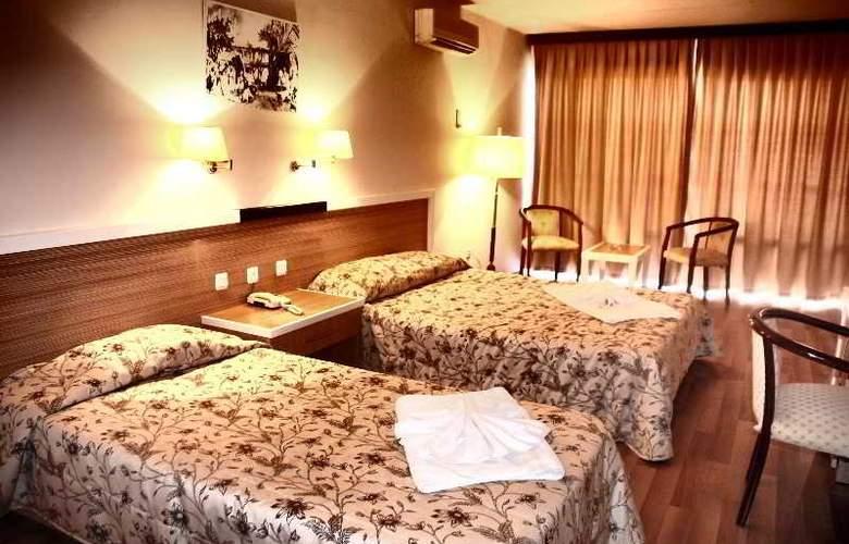 Tuntas Hotel Altinkum - Room - 18