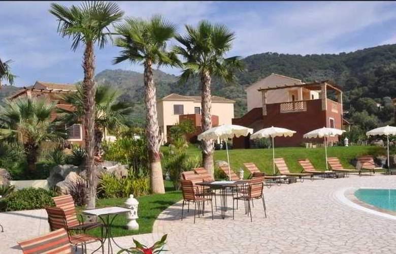 Alcantara Resort - Terrace - 10