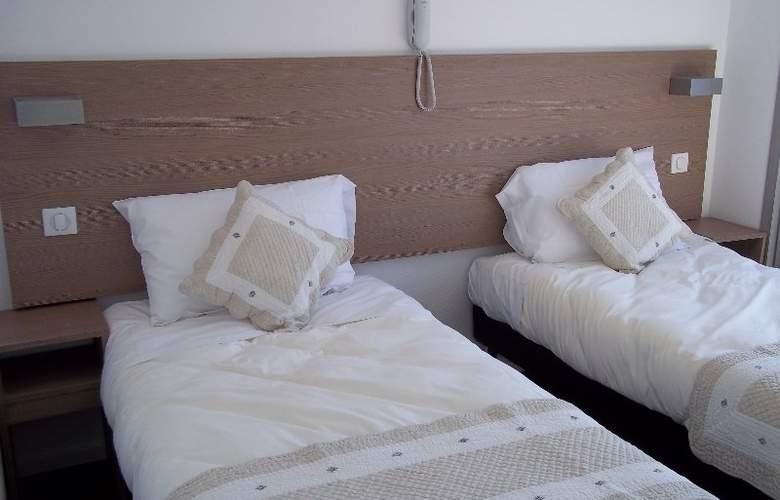 Hotel La Coupole - Room - 3