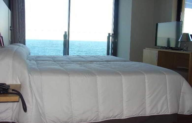Astuy - Room - 8