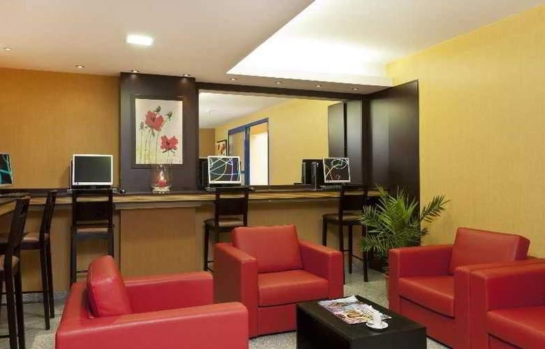 Comfort Bobigny Paris Est - Bar - 4