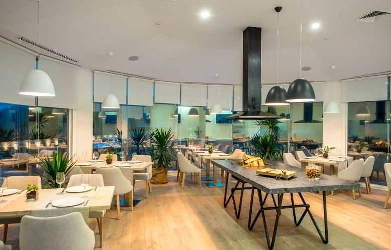 Kavalier Boutique Hotel - Restaurant - 28