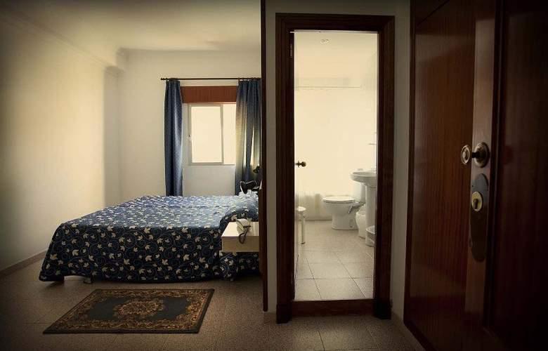 Catalan Hotel - Room - 17