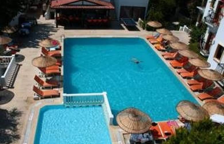 Alta Beach Hotel - Pool - 5