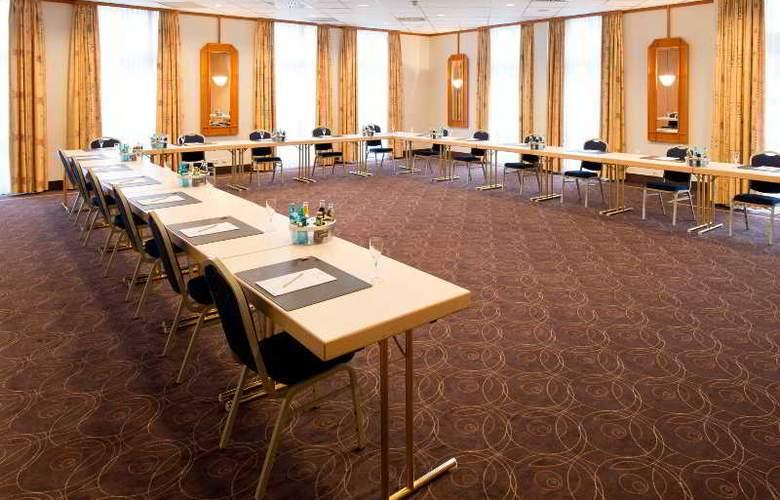 Achat Premium Neustadt Weinstrasse - Conference - 2