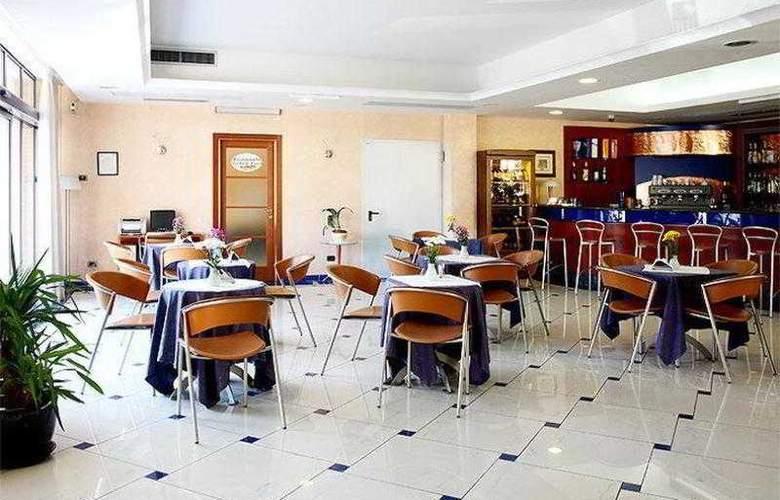 Best Western Blu Hotel Roma - Bar - 75