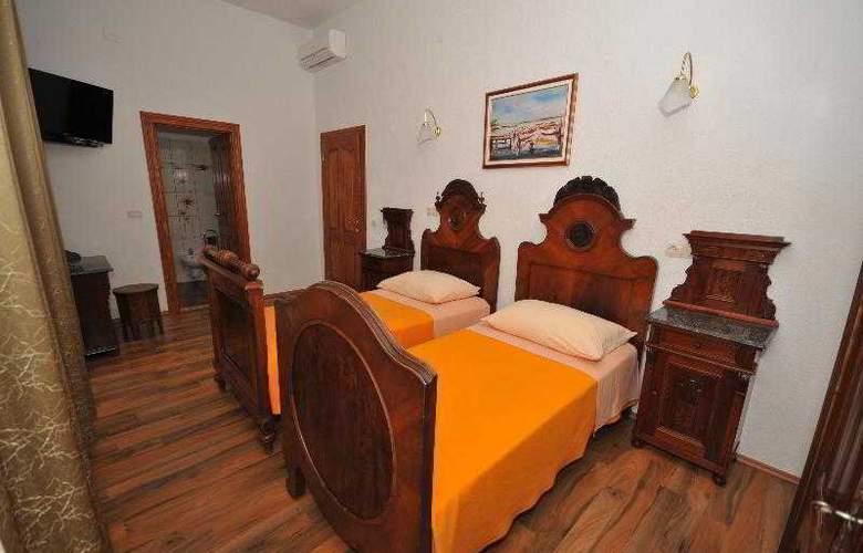 Palace Derossi - Room - 6