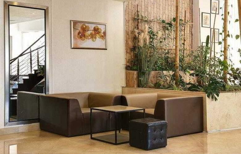 Best Western Plus Liberte Hotel - Hotel - 41
