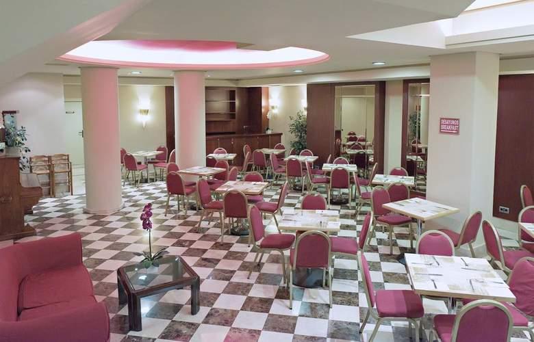 Sterling - Restaurant - 2