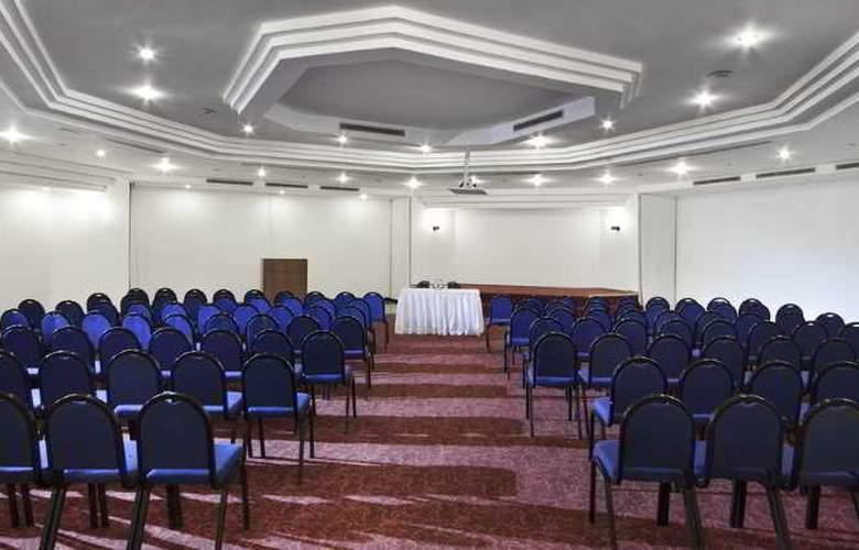 Sunrise Park Resort & Spa - Conference - 34