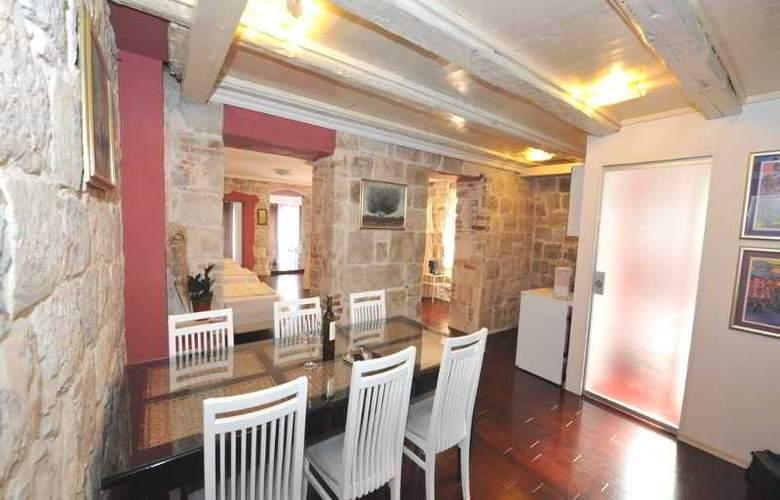 Apartments Renata - Room - 1