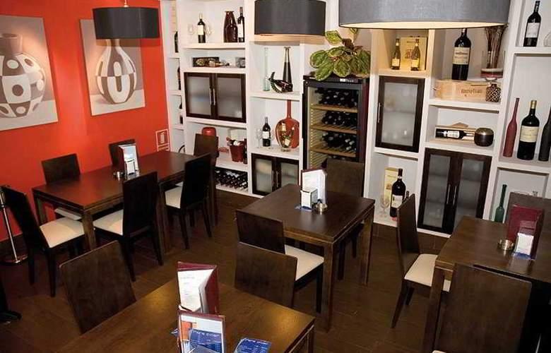 Dabarca Hotel Apartamentos - Bar - 4