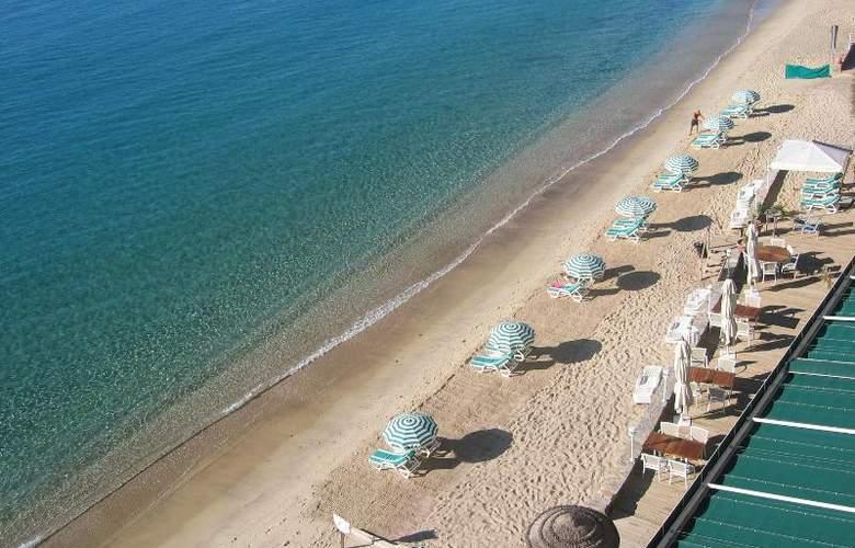 Cavaliere Sur Plage - Beach - 9