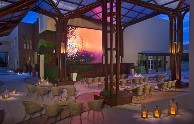 Now Jade Riviera Cancun  - Terrace - 7