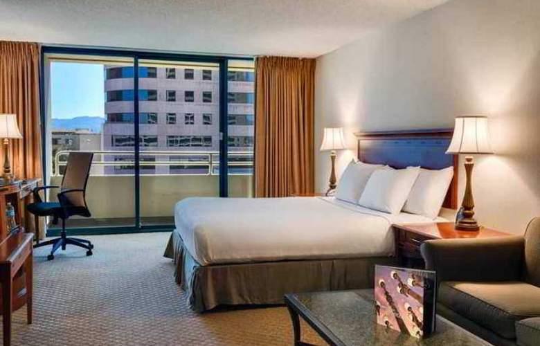 Hilton Woodland Hills-Los Angeles - Room - 15