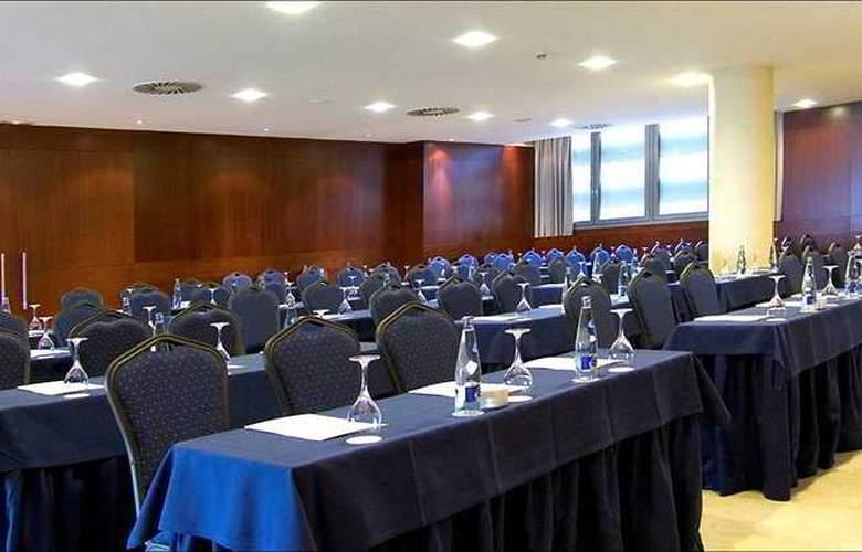 Colon - Conference - 4