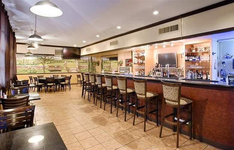 Best Western Hill House - Bar - 54