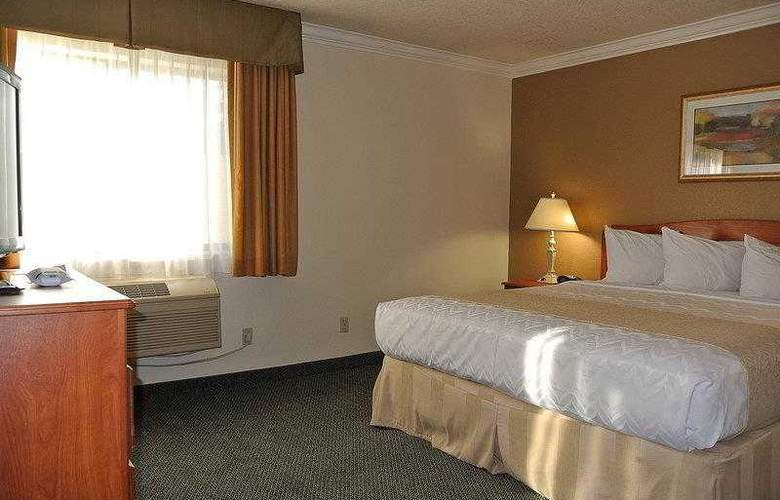Best Western Town & Country Hotel - Hotel - 28