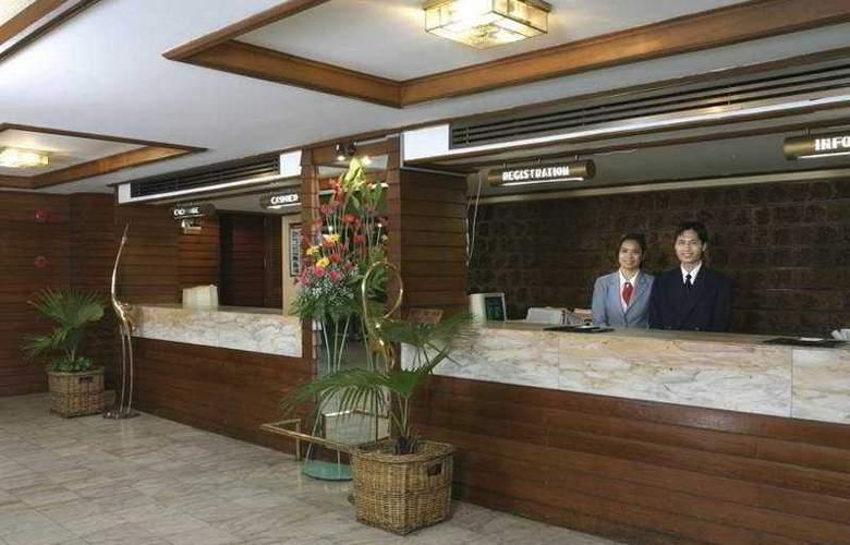 First Hotel Bangkok - Hotel - 0