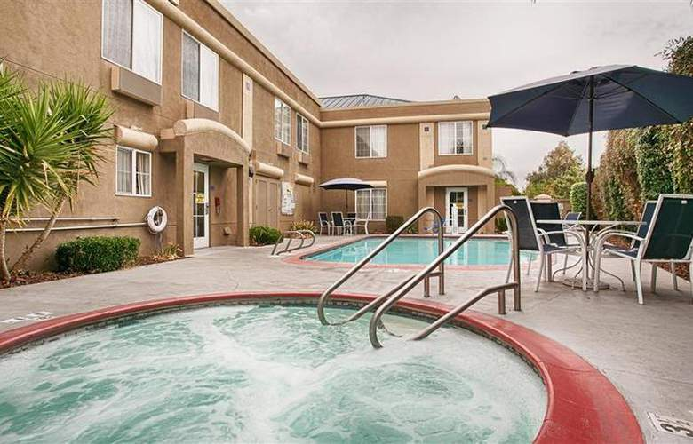 Best Western Galt Inn - Pool - 23