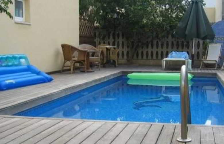 Marbel - Pool - 16