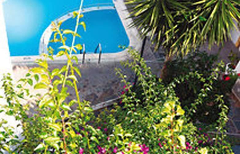 Bella Grecia Aparthotel - Pool - 2