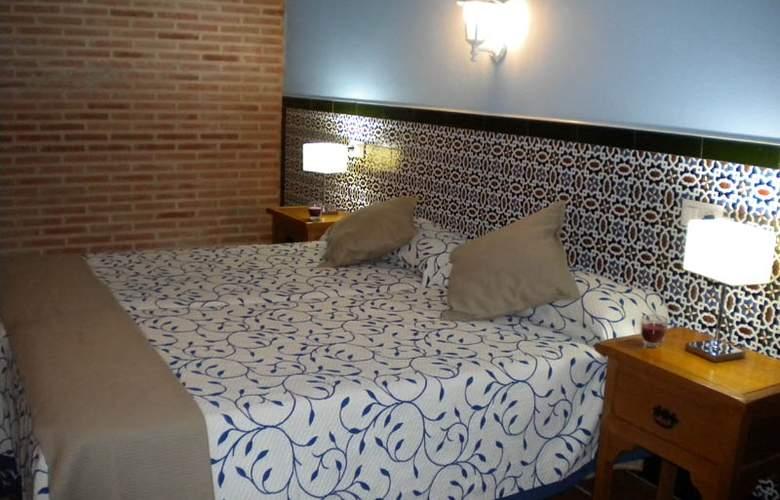 La Estancia - Villa Rosillo - Room - 18