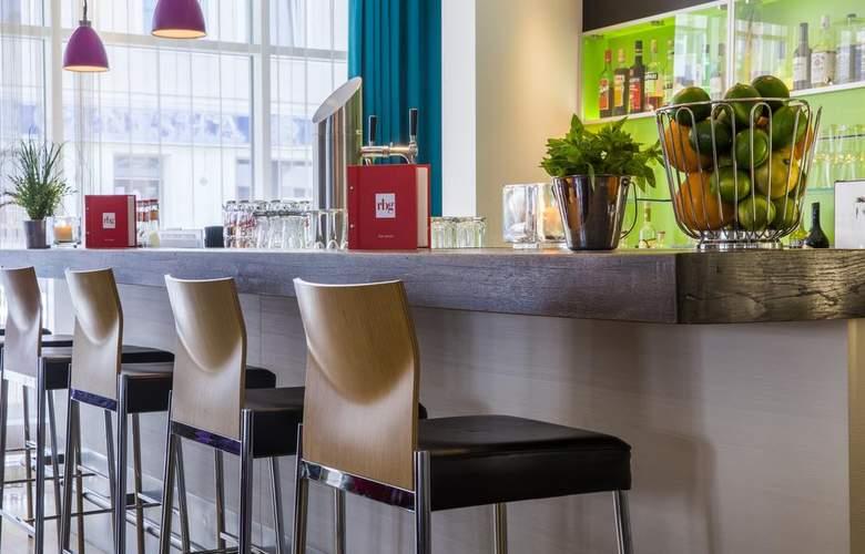 Park Inn by Radisson Nurnberg - Bar - 11