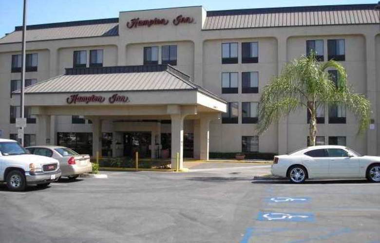Hampton Inn Bakersfield-Central - Hotel - 0