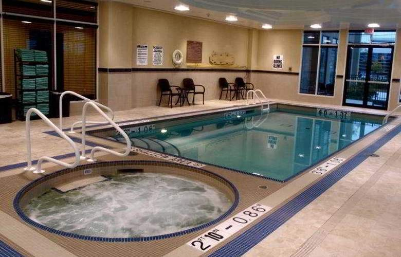 Hilton Garden Inn Toronto Airport West Mississauga - Pool - 4