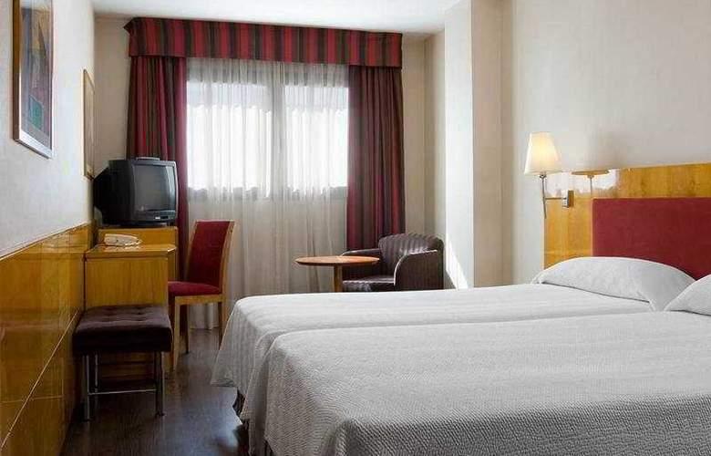 NH Ciudad Real - Room - 2