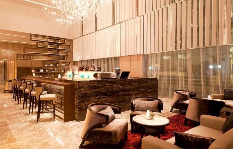 Eastin Grand Hotel Sathorn Bangkok - Bar - 13