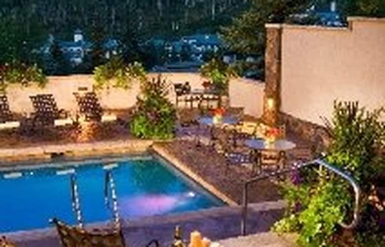 The Pines Lodge - Pool - 0