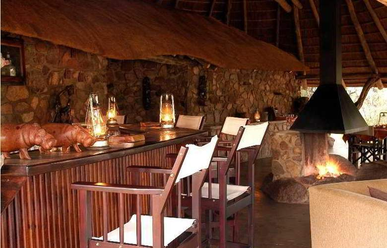 Kwafubesi Tented Safari Camp - Bar - 7