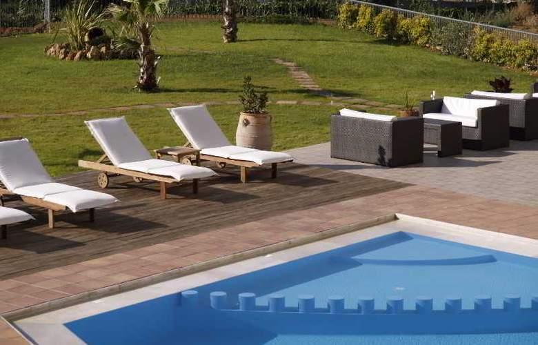 Ikaros Apartments - Pool - 3