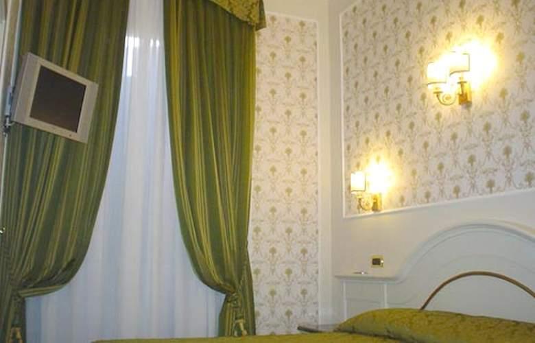Dina Hotel - Room - 1