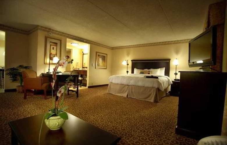Hampton Inn & Suites Staten Island - Room - 9