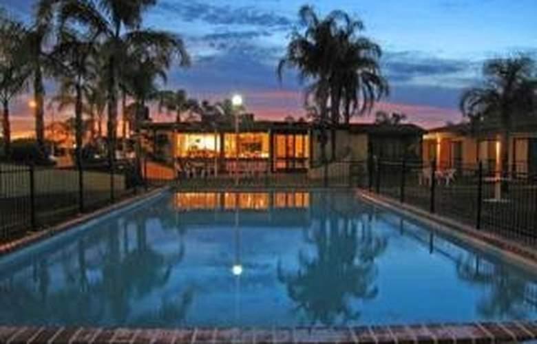 Comfort Inn Deakin Palms - Pool - 3