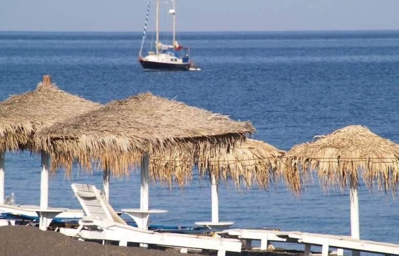 Iliada - Beach - 4
