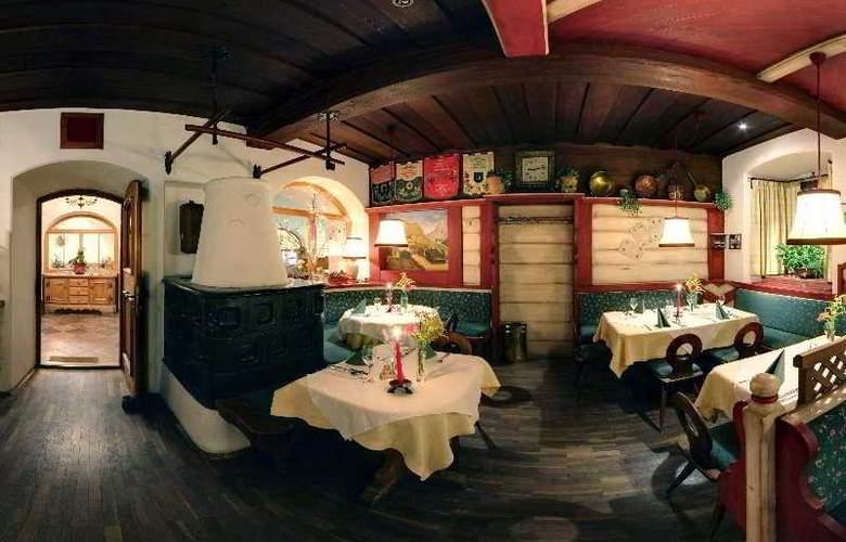 Gasthof Unterm Rain - Restaurant - 4