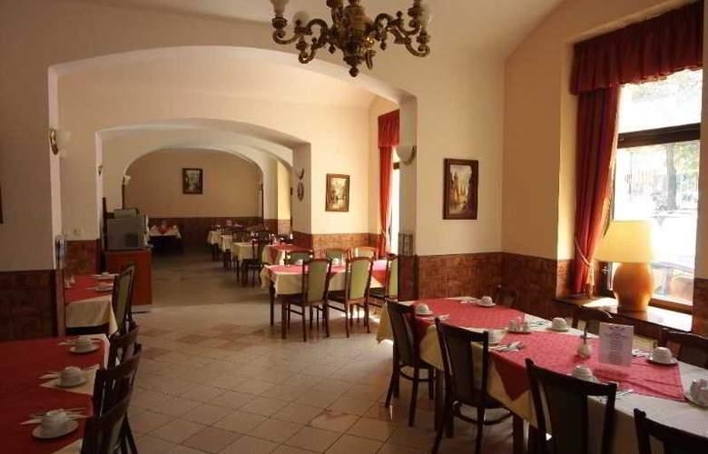 Dalimil - Restaurant - 4