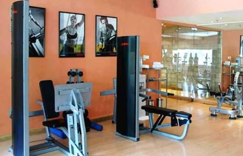 Qutab Clarion Collection - Sport - 8