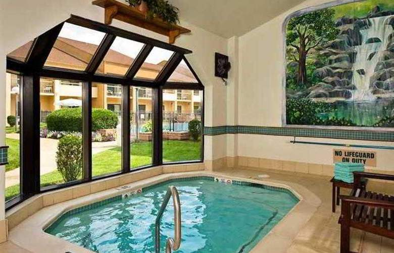 Courtyard Richmond West - Hotel - 2