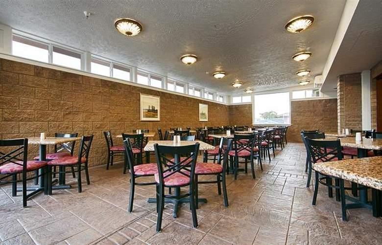 Best Western Plus Ahtanum Inn - Restaurant - 120