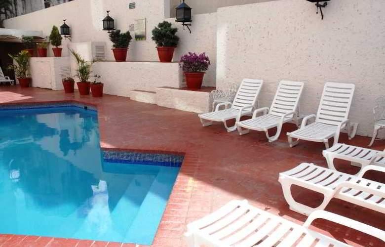 Aranzazu Eco - Pool - 3
