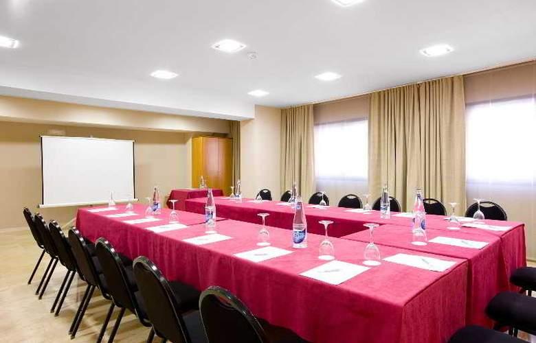 NH Ciudad de Valencia - Conference - 9