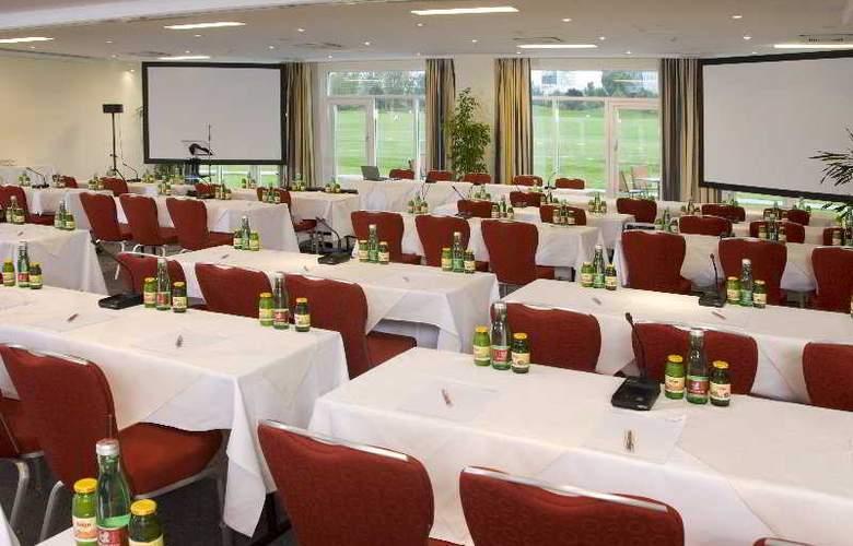 Austria Trend Bosei - Conference - 4