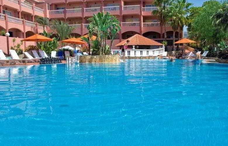 Mar-Ola Park Apartments - Pool - 3