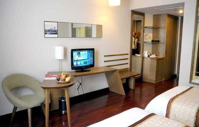 Gerbera Hotel Hue - Room - 3
